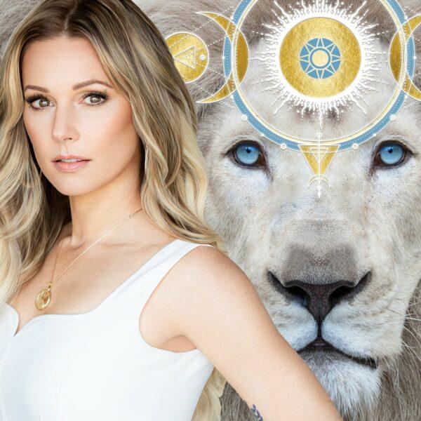 Kaia Ra with white lion